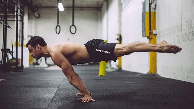 Đừng quên kết hợp rèn luyện thân dưới để đạt được sức mạnh tổng hợp của tất cả các nhóm cơ
